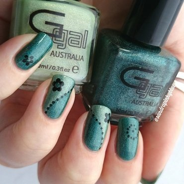 Teal green  nail art by Pinkyblue Nailart