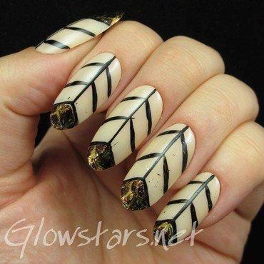 Snake skin chevrons nail art by Vic 'Glowstars' Pires