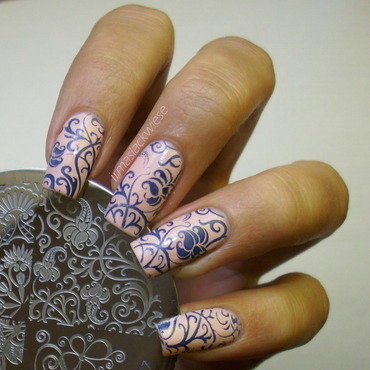 blue flowers nail art by irma