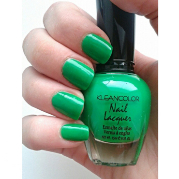 Kleancolor 17 Neon Green Swatch by Neve212