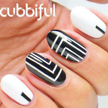 Black & White Abstract Nails nail art by Cubbiful