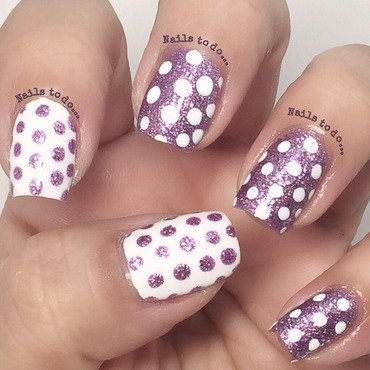 Spotty glitter nail art by Jenny Hernandez