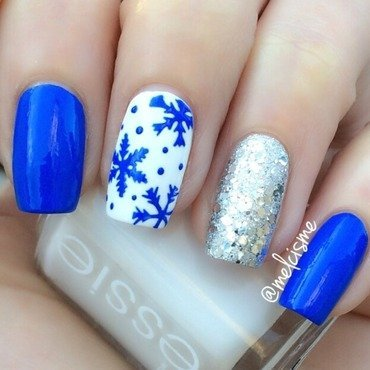 ️Snowflakes  nail art by Melissa