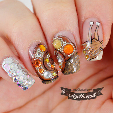 Susan the Nail Snail nail art by Bella Seizethenail