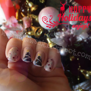 Christmas tree manicure nail art by Kasia