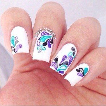 Abstract splash nail art by Eterna Santos
