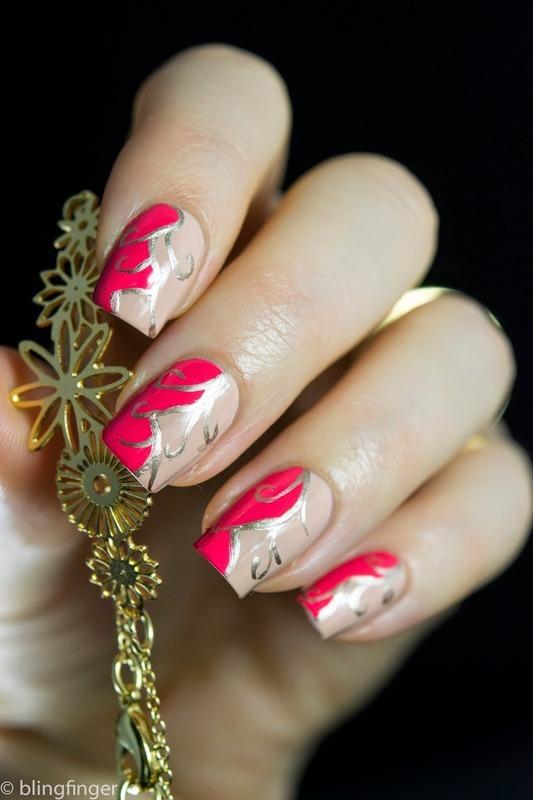 Bracelet Nail Art nail art by  Petra  - Blingfinger