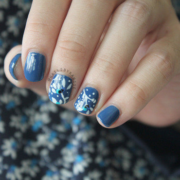 Dark blue floral h 26m inspired nail art thumb370f