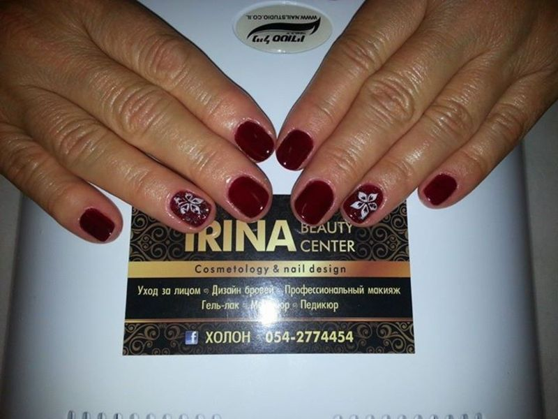 wine nail art by Irina