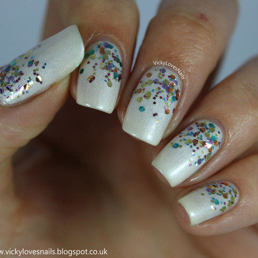 Glitter Gradient nail art by Vicky Standage