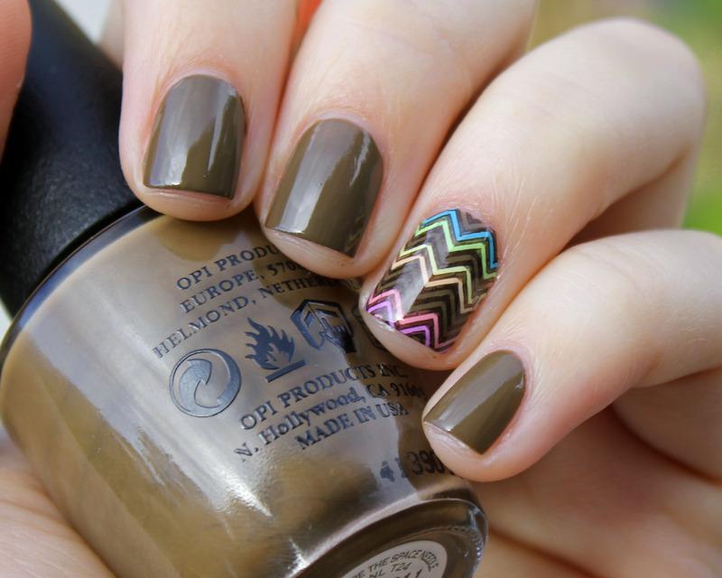 Chevron nail art by Moriesnailart