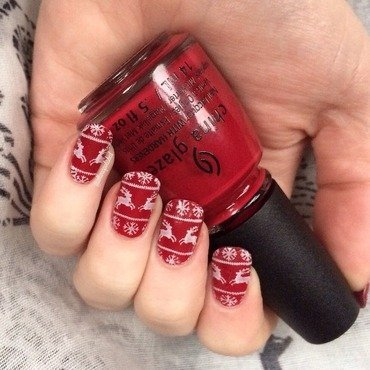 Christmas Jumper nail art by allwaspolished