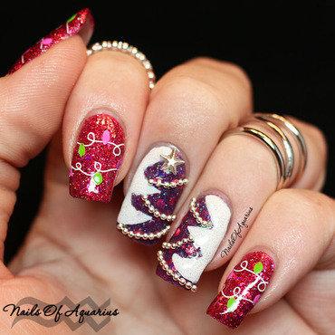 O Christmas Tree nail art by Karolyn