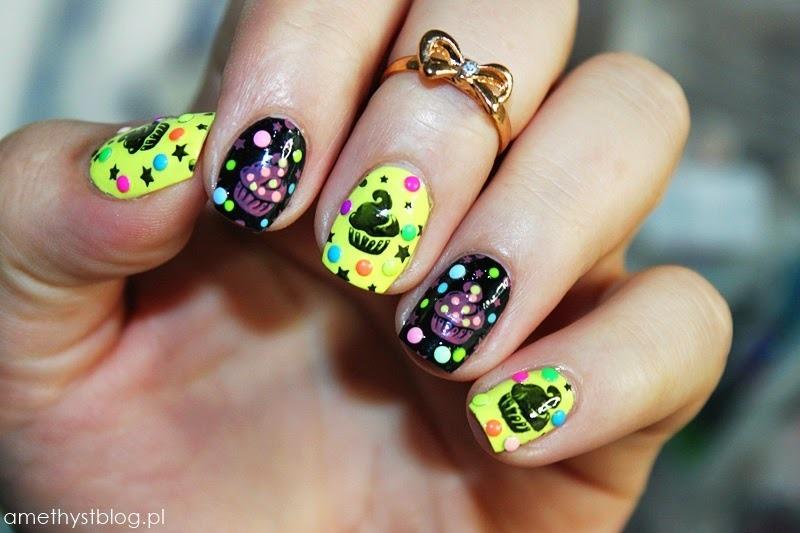 Cupcakes! nail art by Amethyst