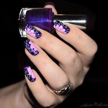 Nail Art Zhostovo inspiré Tartofraises nail art by Lizana Nails