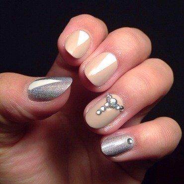 Classic nail art by Massiel Pena
