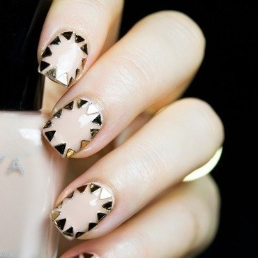 Triangle glitter nail art 7 thumb370f