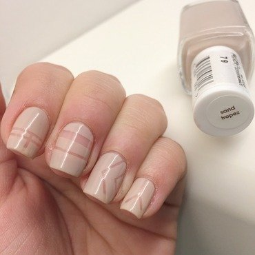 Negative spaces nail art by Beaaa2311