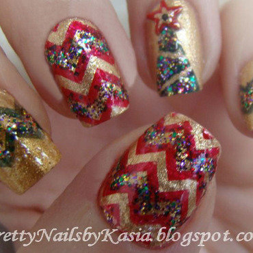 X-mas tree Nails nail art by Pretty Nails by Kasia