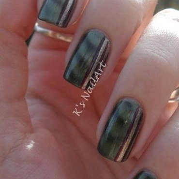 Magnetic green nails 1 thumb370f