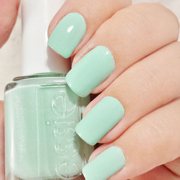 Essie Fashion Playground Swatch by klo-s-to-me