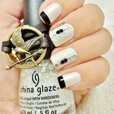 The Hunger Games Challenge  Dstrict 1 : Luxury nail art by klo-s-to-me