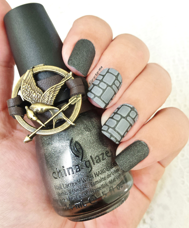 The Hunger Games Challenge  District 2 : Masonry nail art by klo-s-to-me