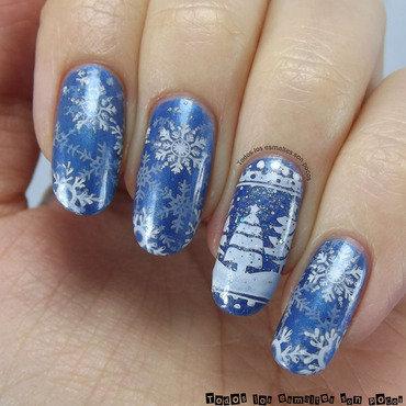 Snow land nail art by Maria