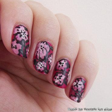 Manicura flores todos los esmaltes son pocos 3 thumb370f