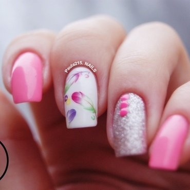 Pink feathers. nail art by Paula215. NAILS
