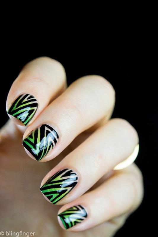 Geometric  nail art by  Petra  - Blingfinger