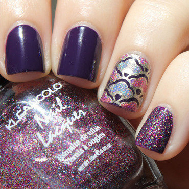 Gold+ Holo Decal nail art by Moriesnailart