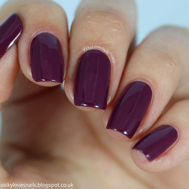 Zoya Margo Swatch by Vicky Standage