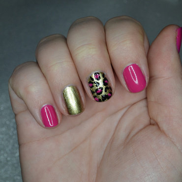 Pink Leopard nail art by Lindsay