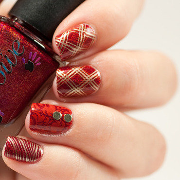 Red skittlette nail art by Zara TracesOfPolish
