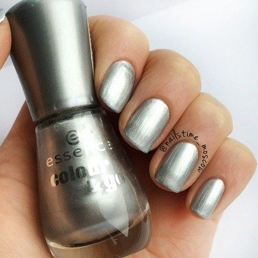 Essence 141 icy princess Swatch by nailstime_moscow
