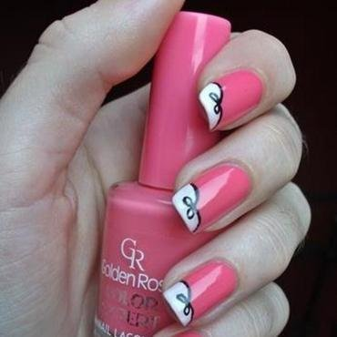 pink bow nail art by Dominika Boruta