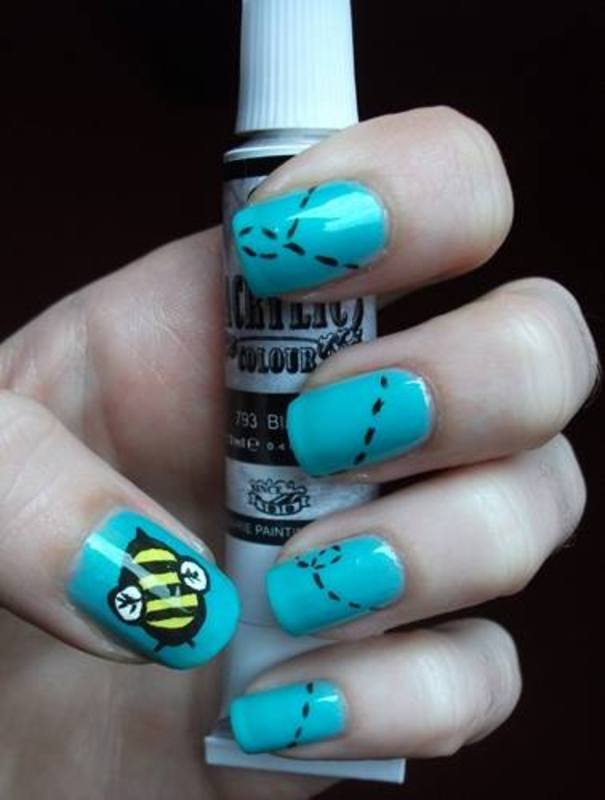 Bee's flight nail art by Dominika Boruta