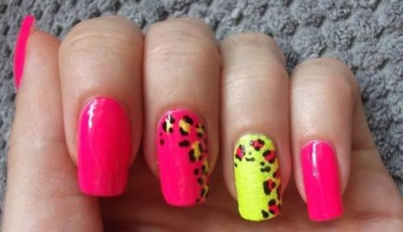 Pink panthere nail art by Dominika Boruta