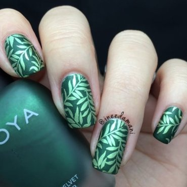 Green Leaves nail art by Carmen Ineedamani