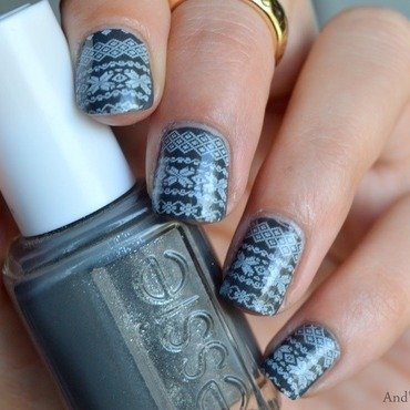 Sweater Nails  nail art by And'gel ongulaire