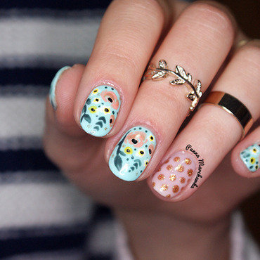 Flower Nails nail art by Panna Marchewka