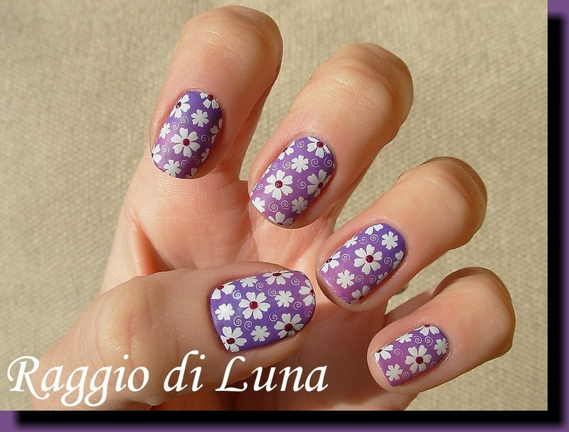 White stamped flowers on purple&pink gradient nail art by Tanja
