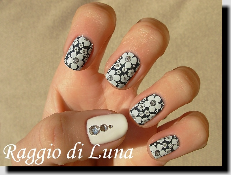 Mixed flower theme stamping manicure nail art by Tanja