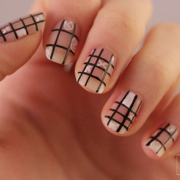 Grid nails doodles5 thumb370f