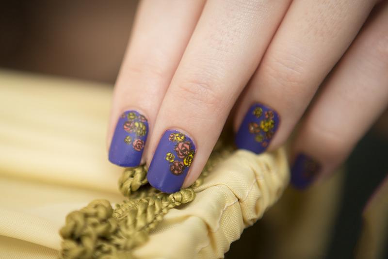 Baroque floral nail art by Magdalena