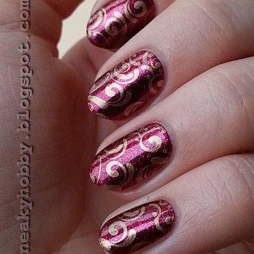 Gold Swirls nail art by Mgielka M