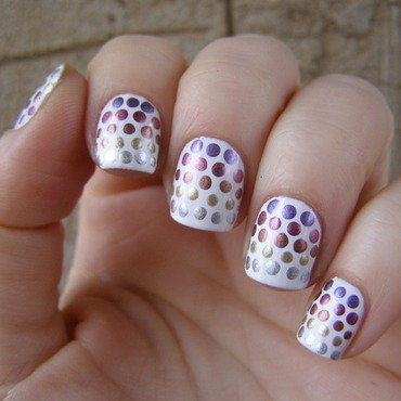 White base nail art by Szilvia