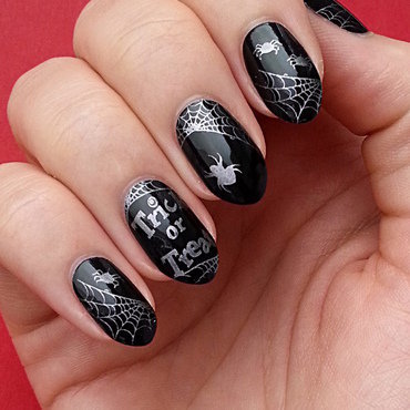Halloween Spiders nail art by Mgielka M