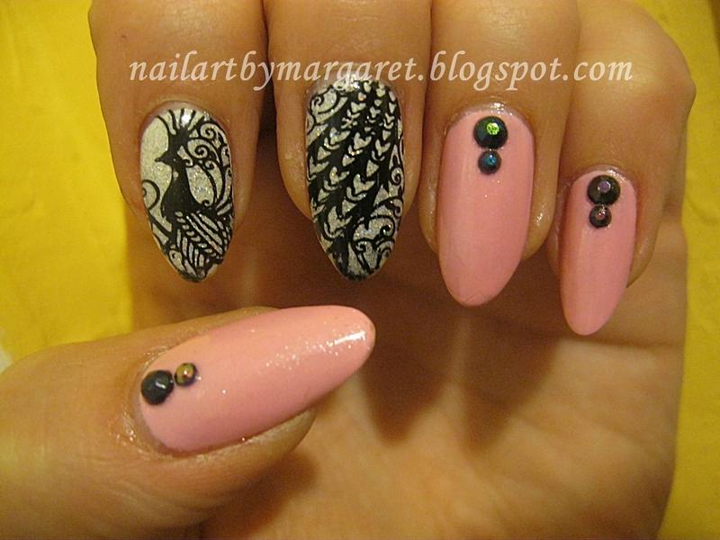 Czarny paw nail art by Margaret Nail Art
